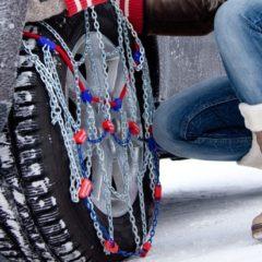 ADAC Autovermietung: 10 Tipps für den Winter / Winterreifen für alle bringen mehr Verkehrssicherheit / Schneeketten vorab buchen